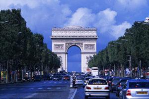 フランス新婚旅行でおすすめの観光スポット シャンゼリゼ通り