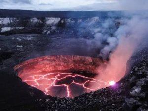 ハワイの離島でおすすめの観光スポット キラウエア火山