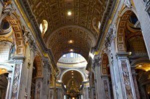 イタリア新婚旅行で1番おすすめの観光スポット ローマ コロッセウムとバチカン宮殿