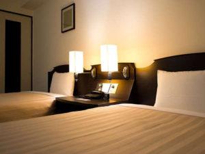 観光スポット周辺のホテル アイランドホテル