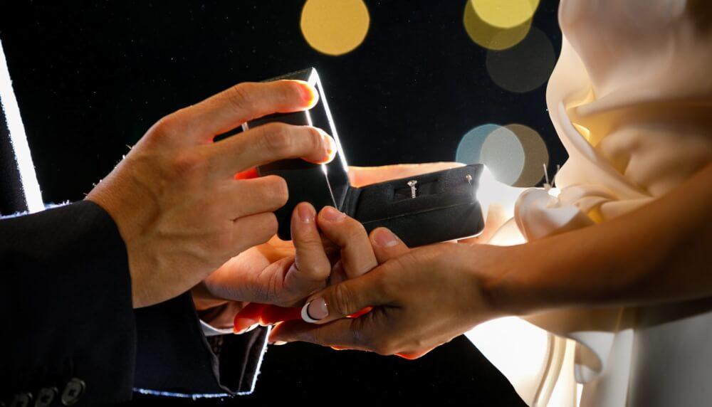 プロポーズの婚約指輪
